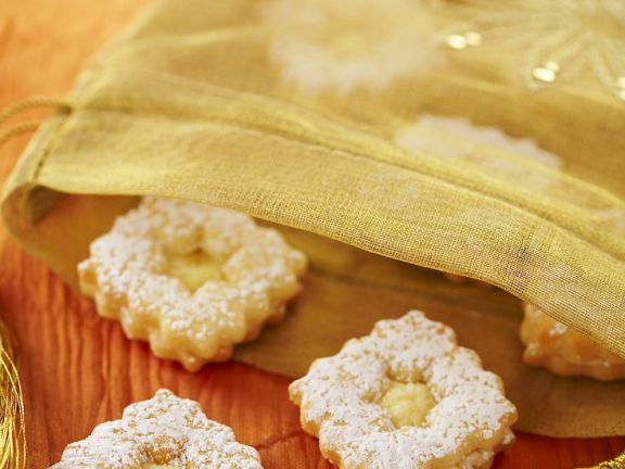 Butterplätzchen mit Eierlikörfüllung